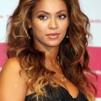 Beyonce Center Parting Long Wavy Curly Hairstyle