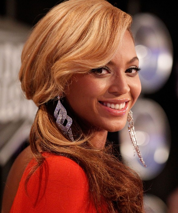 Casual Low Ponytail with Bangs - Beyonce Blonde Pony