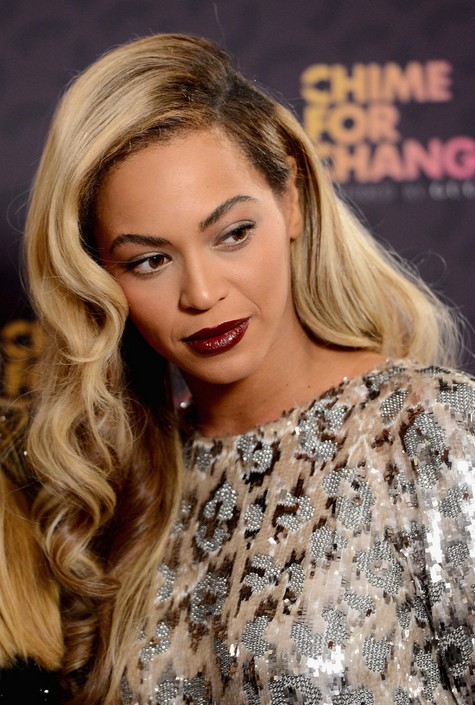 Side Parted Long Hairstyle - Beyonce Knowles Long Wavy Hair