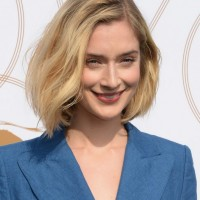 Caitlin Fitzgerald Casual Textured Short Wavy Bob Hairstyle