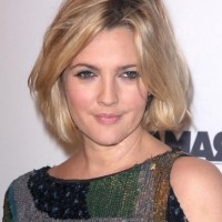 Drew Barrymore Short Bob Hairstyles for Moms