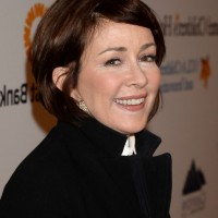 Patricia Heaton Cute Short Bob Hairstyle with Bangs for Women Over 50