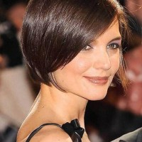 Chic Side Parted Bob Hairstyle with Bangs