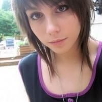 Cute EMO Short Haircut for Girls
