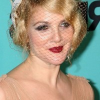 Drew Barrymore Short Finger Wave Hairstyle for Wedding