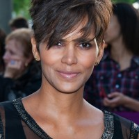 Halle Berry Stylish Short Pixie Cut for Women Over 40