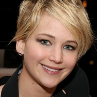 Jennifer Lawrence Cute Short Messy Hairstyle with Side Swept Bangs