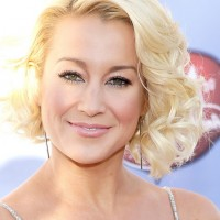 Kellie Pickler Short Wavy Curly Bob Hairstyle for Oval FAces