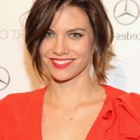 Lauren Cohan Chic Short Messy Hairstyle