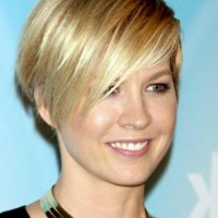 Layered Short Wedge Hairstyle for Women