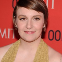 Lena Dunham Short Side Parted Straight Hairstyle with Bangs