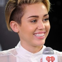 Miley Cyrus Cute Short Side Parted Straight Cut