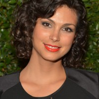 Morena Baccarin Short Curly Hairstyle with Bangs