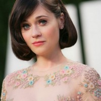 Zooey Deschanel Short Haircut