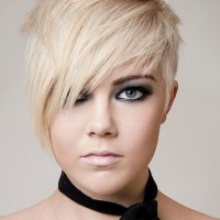 Short Emo Hairstyles with Side Swept Bangs for Women