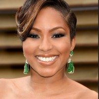 Alicia Quarles Elegant Side Parted Wavy Hair for Black Women