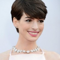 Anne Hathaway Layered Side Parted Haircut with Full Bangs for Short Hair