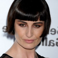 Erin O'Connor Short Pageboy Haircut with Blunt Bangs