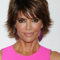 Lisa Rinna Short Layered Razor Haircut with Bangs for Women
