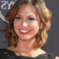 Melissa Rycroft Short Ombre Wavy Hairstyle for Round Faces
