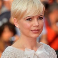 Michelle Williams Simple Easy Short Straight Pixie Cut