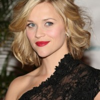 Reese Witherspoon Curly Bob