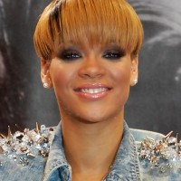 Rihanna Short Straight Bowl Cut with Straight Across Bangs