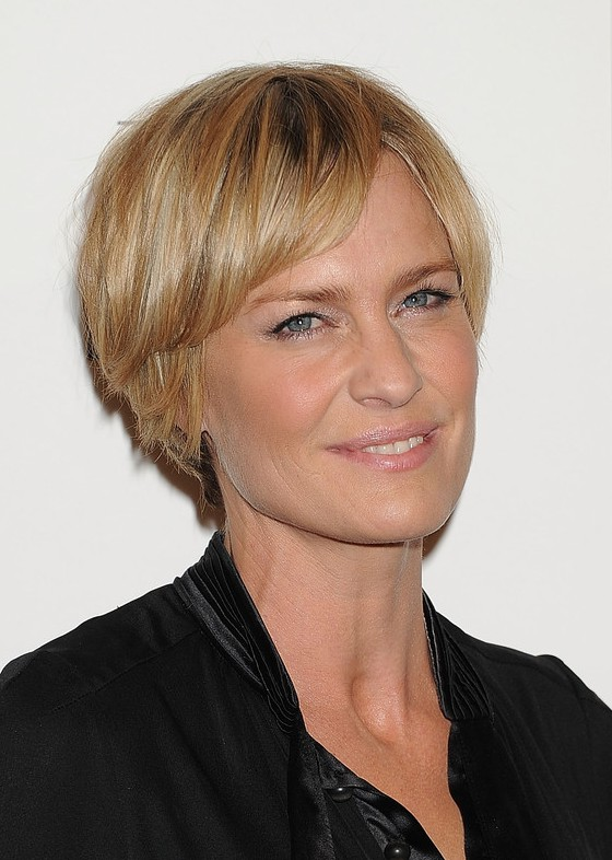 Robin Wright Short Straight Layered Razor Cut with Bangs