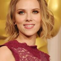 Scarlett Johansson Short Blonde Wavy Hairstyle for Wedding