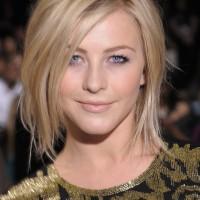 Short Choppy Straight Hairstyle for Women
