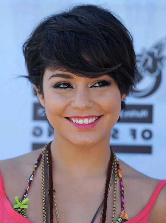 Vanessa Hudgens Cute Layered Short Black Straight Hairstyle for Summer