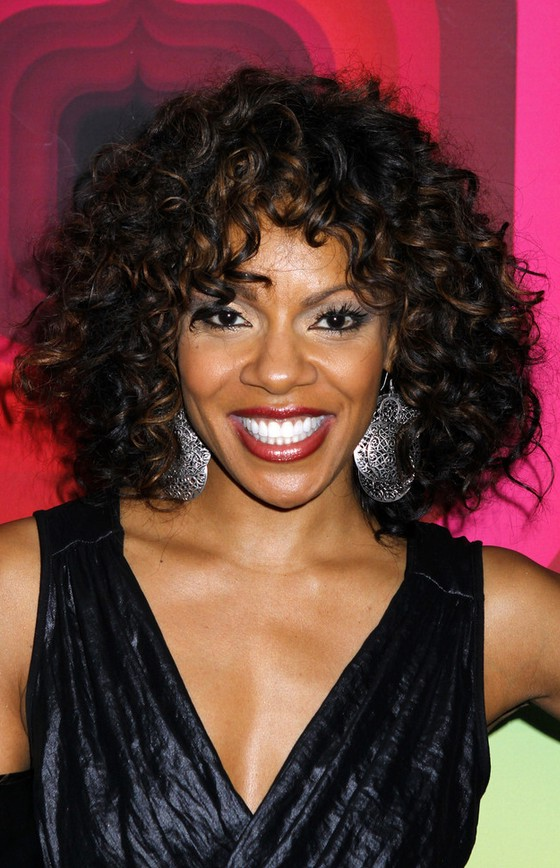 Wendy Raquel Robinson Shoulder Length Curly Hairstyle for Black Women