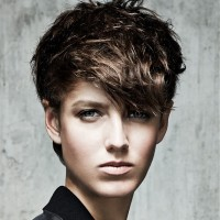 Edgy Chic Messy Straight Haircut for Woman