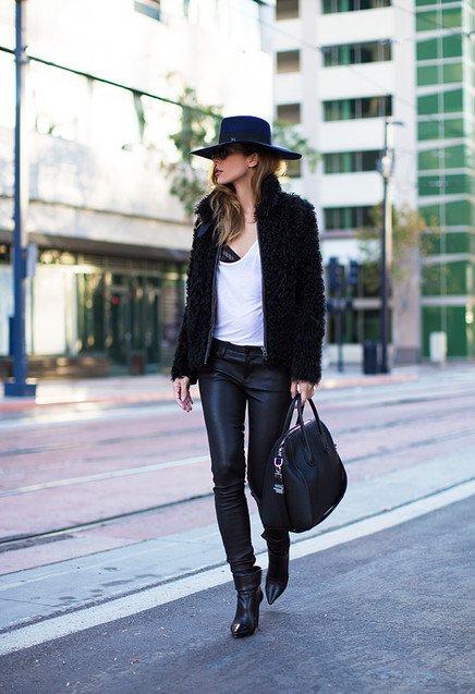 Stylish Black Outfit Idea