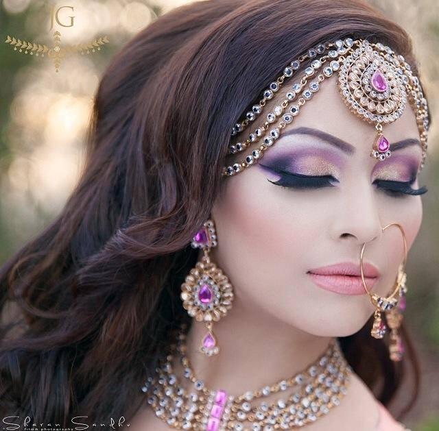 Beautiful Purple Makeup Idea for Brides
