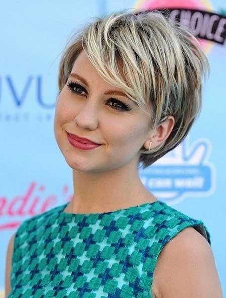 2015 Fashionable Short Hairstyle