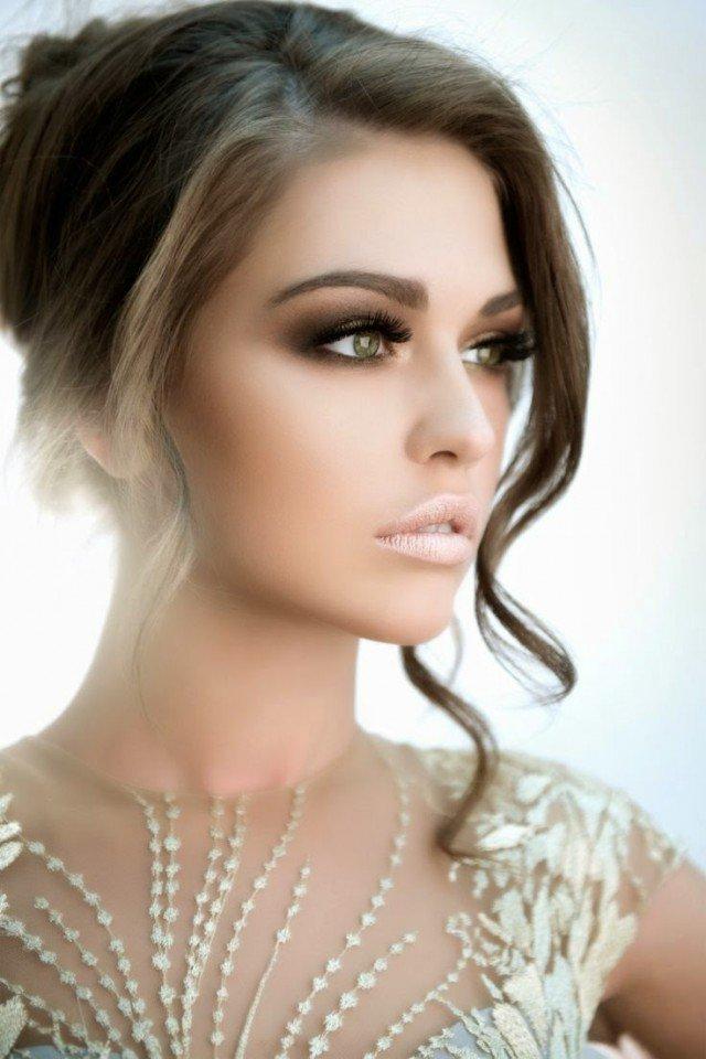 Smoky Eye Makeup Idea for Brides