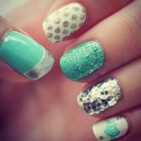 Fashionable Mint Nail Design