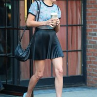 Aubrey Plaza's Pleated Midi Skirt Outfit