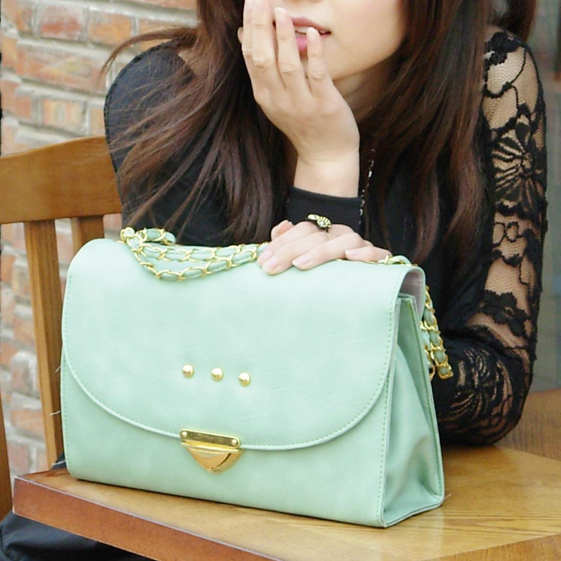 Retro-style purse