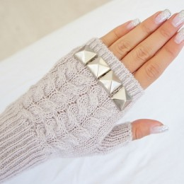 Beautiful DIY Gloves