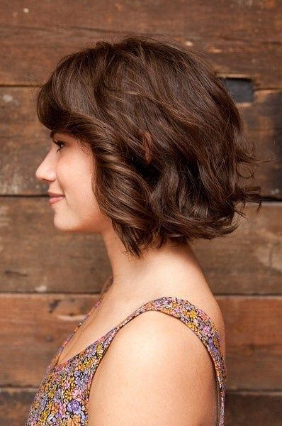 Chic Bob Hairstyle with Waves