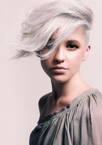 Platinum Blonde Short Hairstyle for Prom