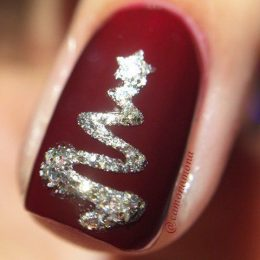 Easy Holiday Nail Designs