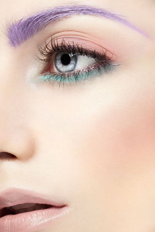 How to Pull Off Colored Eyebrows